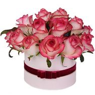 Jamila roses in a box - flowers and bouquets on 7roz.lviv.ua