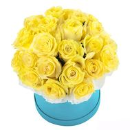 Yellow roses in a box - flowers and bouquets on 7roz.lviv.ua