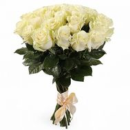 Bouquet of flowers from 25 white roses - flowers and bouquets on 7roz.lviv.ua
