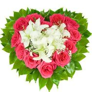 Heart of roses and lilies - flowers and bouquets on 7roz.lviv.ua